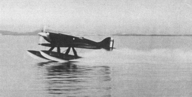 Macchi mc72 flottaggio